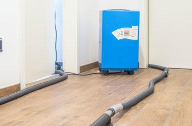 Gerät zur Estrich-Dämmschicht-Trocknung in Wohnung JaWo Putzbrunn